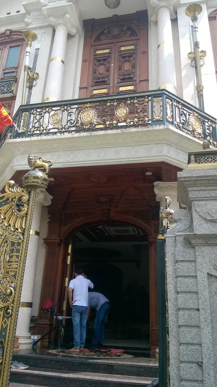 Scan Cua Go - Biet Thu Phu My Hung - Scan3d.com.vn (1)
