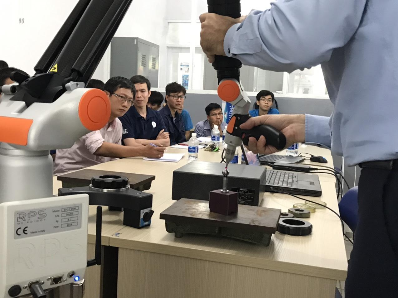 Mr. Paolo Perbellini đào tạo sử dụng RPS Metrology